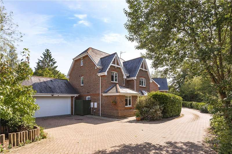 5 Bedrooms Detached House for sale in Further Vell-Mead, Church Crookham, Fleet, GU52