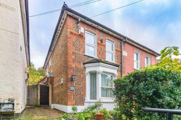 4 Bedrooms Semi Detached House for sale in Hughenden Road, High Wycombe, Buckinghamshire