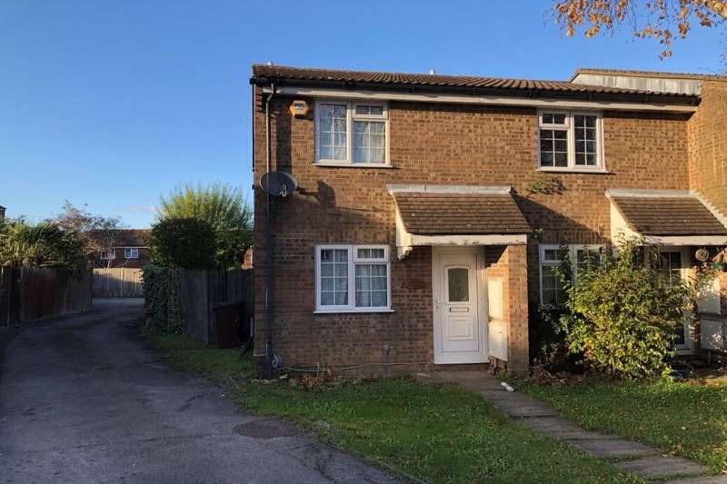 2 Bedrooms Terraced House for sale in Croydon Close, Chatham, ME5