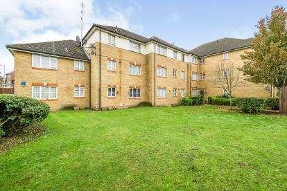 1 Bedroom Flat for sale in Green Lane, Dagenham, London