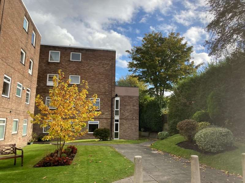1 Bedroom Flat for sale in Manchester Road, Bury, Greater Manchester, BL9