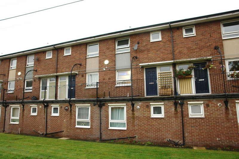 2 Bedrooms Maisonette Flat for sale in Albert Street, Royton
