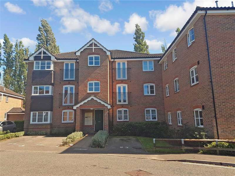 2 Bedrooms Flat for sale in Bryony Close, , Loughton, Essex