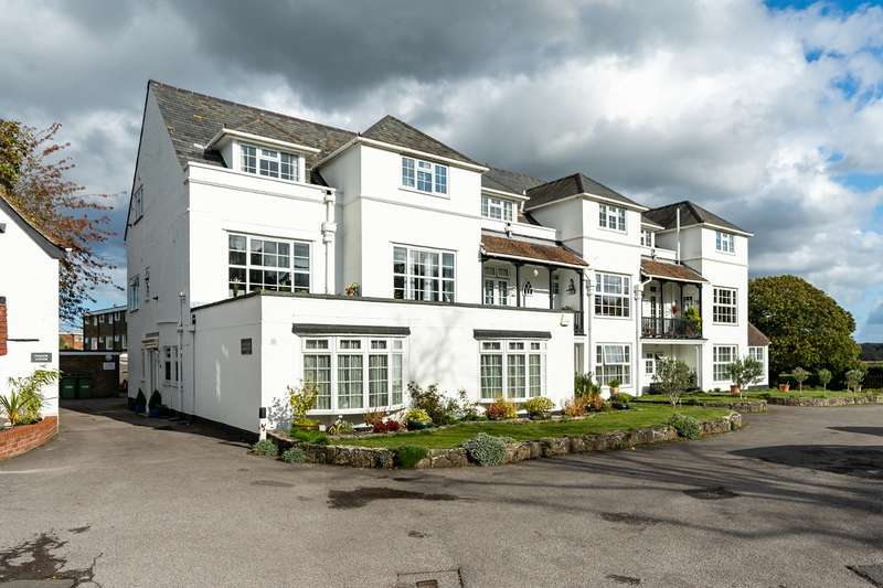 3 Bedrooms Flat for sale in Green Lane, Hamble, Southampton, Hampshire. SO31 4GB
