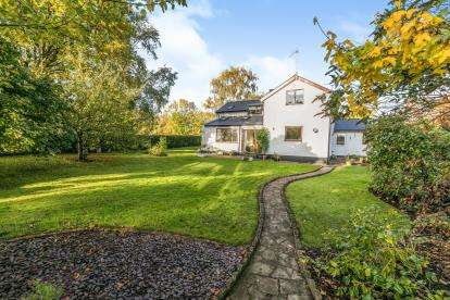 4 Bedrooms Detached House for sale in Upton Road, Callow End, Worcester, Worcestershire