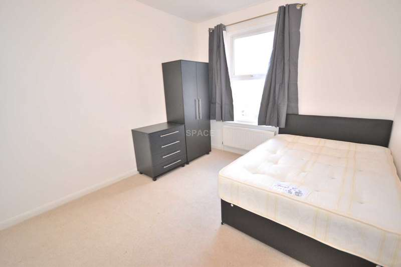 6 Bedrooms Terraced House for rent in Sidmouth Street, Reading, RG1 4QZ