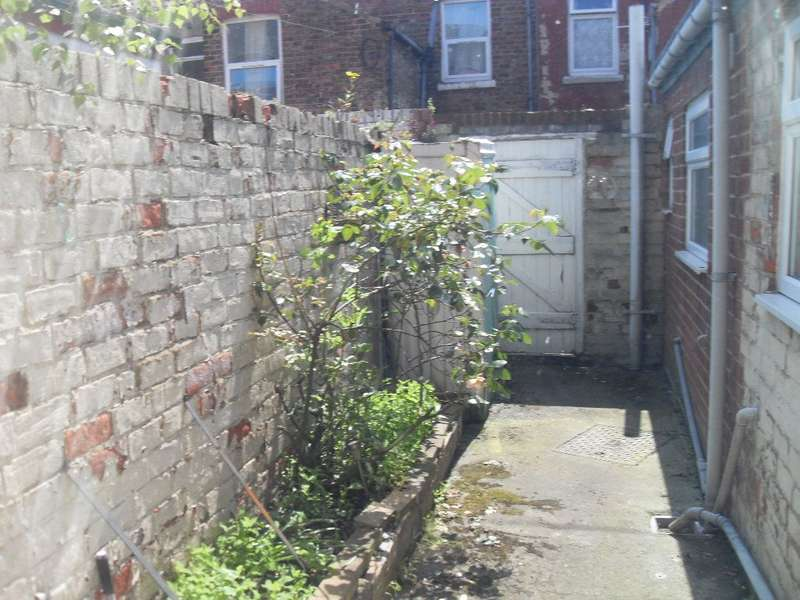 2 Bedrooms Terraced House for rent in Upton Street, Middlesbrough