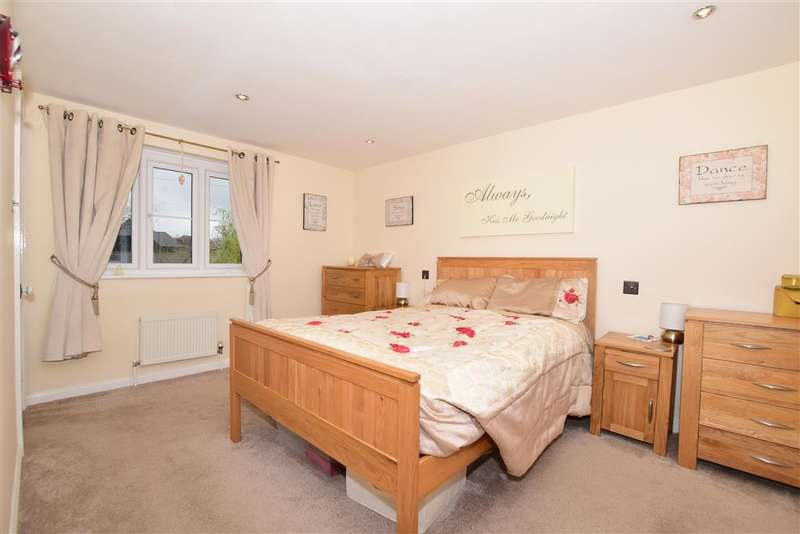 5 Bedrooms Semi Detached House for sale in Cliffsend Road, , Cliffsend, Ramsgate, Kent