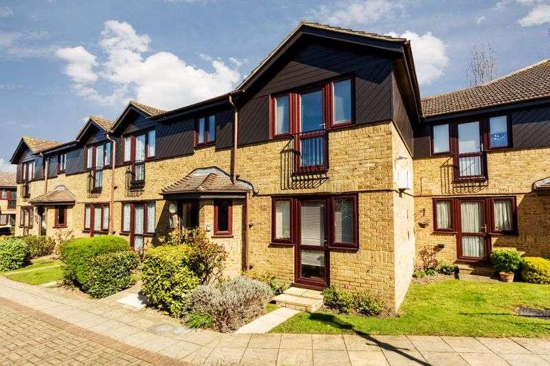 2 Bedrooms Property for sale in Chapel Lodge, Rainham, RM13 9AG