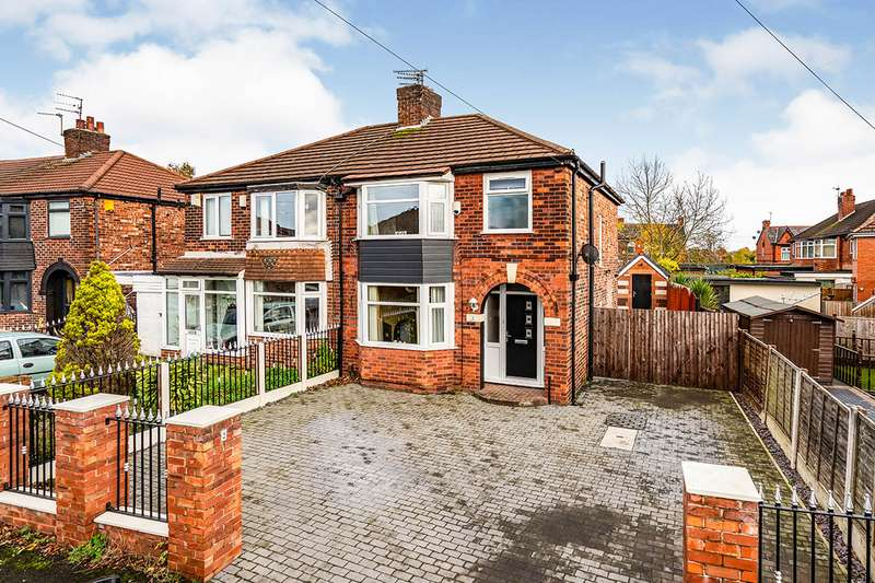 3 Bedrooms Semi Detached House for sale in Pine Grove, Swinton, M27