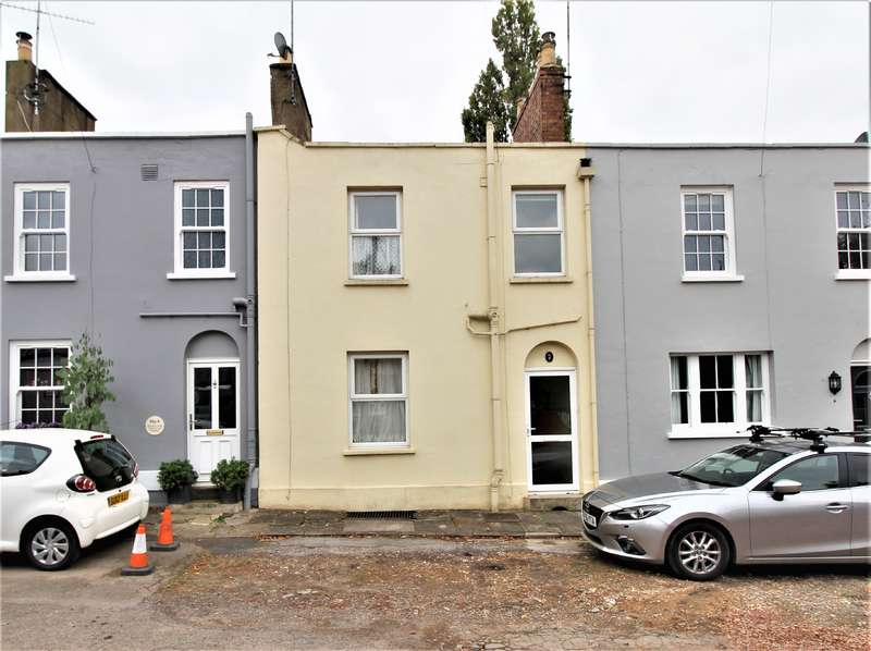 2 Bedrooms Terraced House for sale in AVENALLS PARADE, GL53