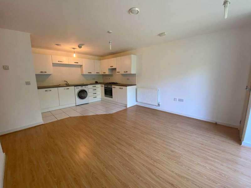 2 Bedrooms Flat for rent in Todd Close, Borehamwood