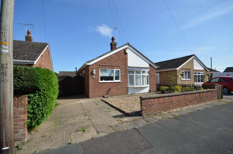 2 Bedrooms Detached Bungalow for sale in St. Peters Avenue, North Hykeham, Lincoln, Lincolnshire, LN6