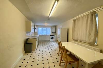 4 Bedrooms House for rent in Vicarage Road, Stratford, E15