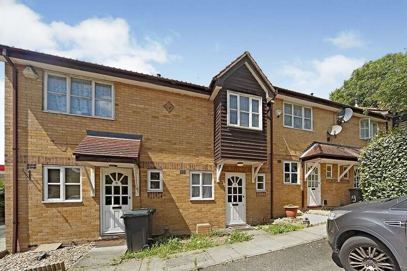 2 Bedrooms Flat for rent in Britton Close, London, SE6