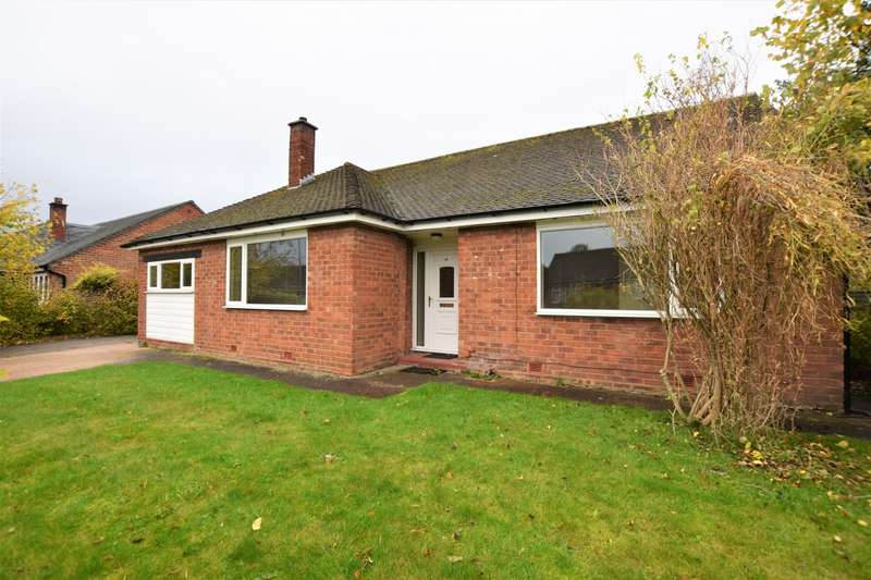 3 Bedrooms Detached Bungalow for rent in Larch Avenue, Macclesfield