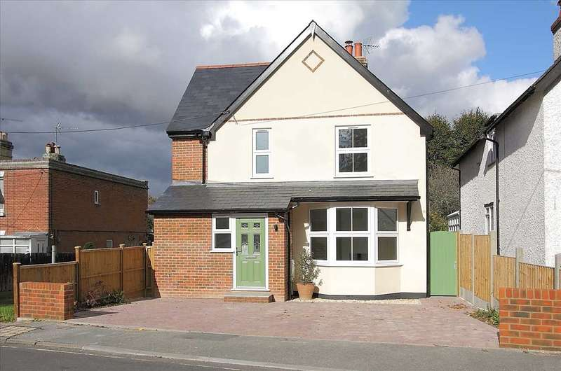 4 Bedrooms Detached House for sale in Micheldever Road, Whitchurch
