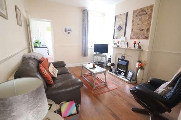 2 Bedrooms Property for rent in Preston Street, Smallthorne, Stoke-On-Trent