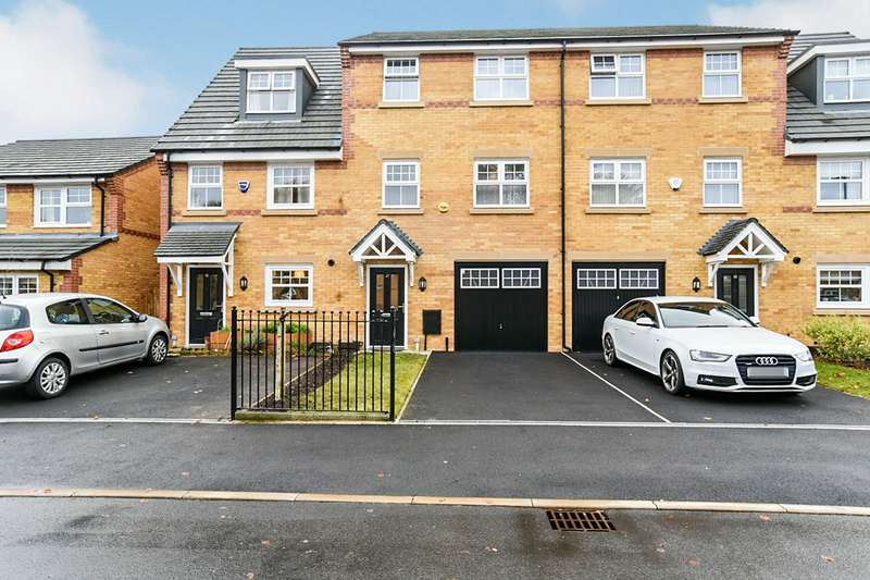 4 Bedrooms House for sale in Horse Chestnut Drive, Manchester, Greater Manchester, M9