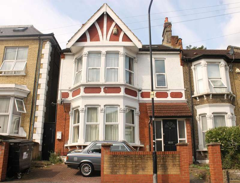 2 Bedrooms Flat for rent in Goldsmith Road, Leyton, London, E10