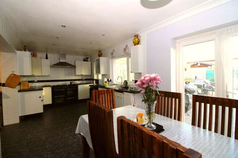 4 Bedrooms Property for sale in New Road, Minster On Sea, Sheerness, ME12