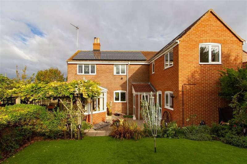 4 Bedrooms Detached House for sale in Purton, Berkeley, GL13