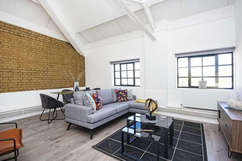 3 Bedrooms Flat for rent in Tyssen Street, Dalston, E8