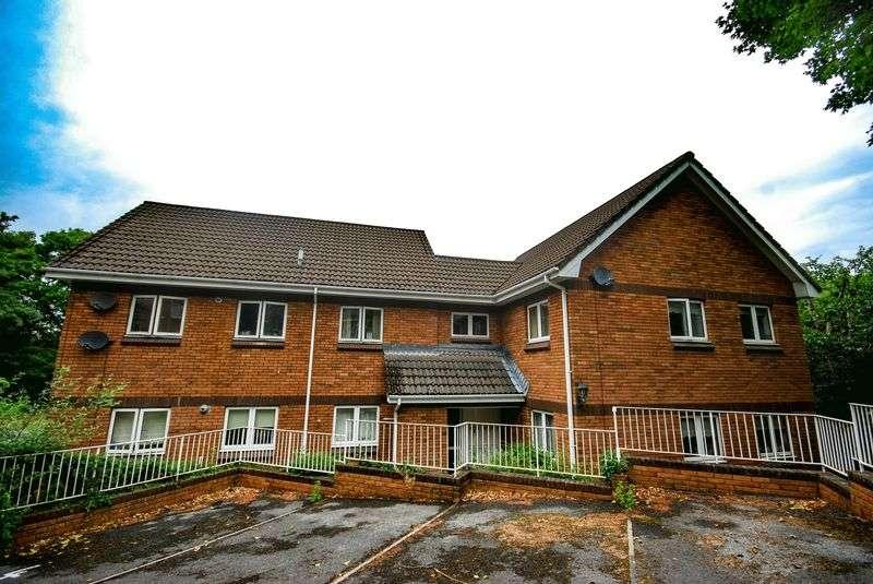 2 Bedrooms Property for rent in Highbury Court, Neath