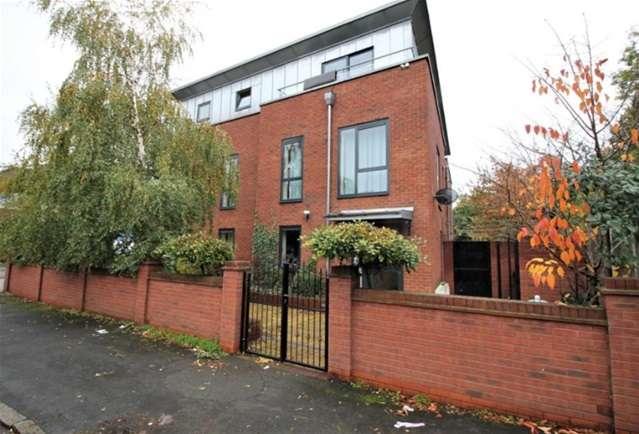 2 Bedrooms Flat for rent in 9 Como Street, Romford