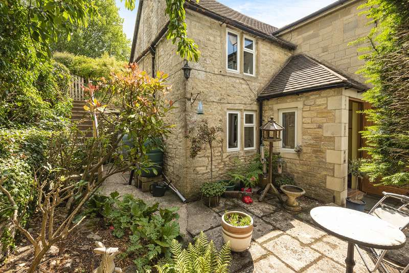 3 Bedrooms House for sale in Wells Road, Eastcombe, Stroud, GL6