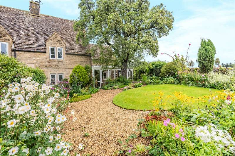 3 Bedrooms Semi Detached House for sale in Upper Hyde Cottage, Hyde Hill, Minchinhampton, Stroud, GL6