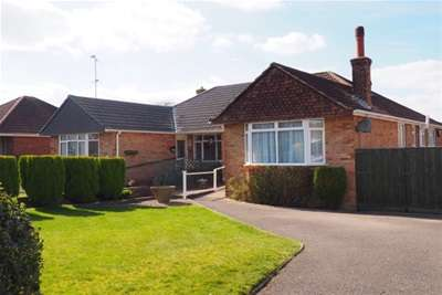 2 Bedrooms Bungalow for rent in Havengate, Horsham