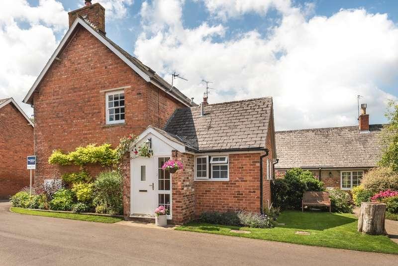 3 Bedrooms End Of Terrace House for sale in Southfield Manor Park, Sandy Lane, Charlton Kings, Cheltenham, GL53