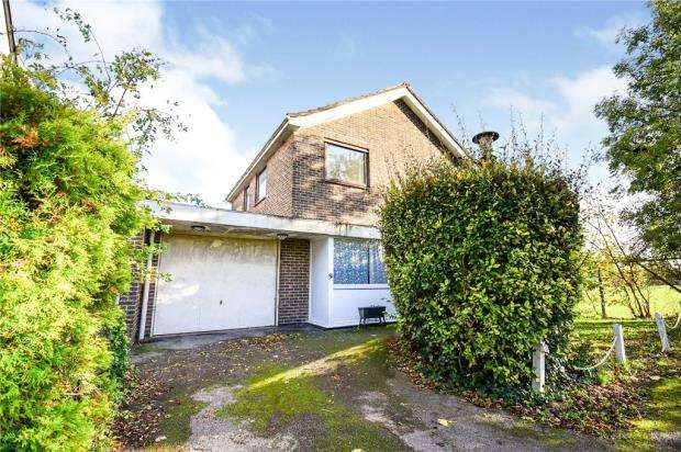 3 Bedrooms Detached House for sale in Exbury Road, Catford, London