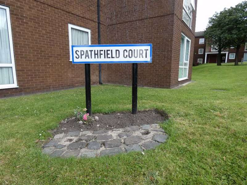 1 Bedroom Flat for rent in Spathfield Court, Heaton Norris
