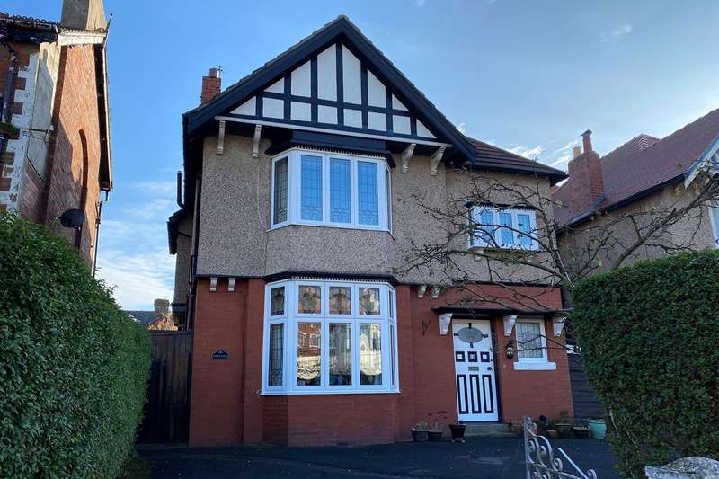 5 Bedrooms Detached House for sale in Derbe Road, Lytham St Annes, FY8