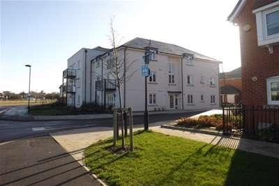 2 Bedrooms Flat for rent in Carey Lane, Waterlooville