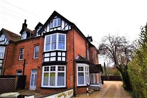 2 Bedrooms House for sale in The Broadway, Woodhall Spa, LN10