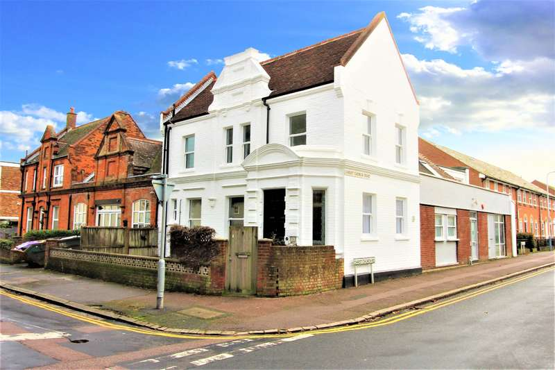 2 Bedrooms Semi Detached House for sale in Ingles Road, Folkestone, Kent, CT20 2SW