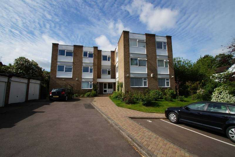 3 Bedrooms Apartment Flat for rent in Close to the High Street, Three double bedrooms with Garage
