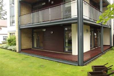 2 Bedrooms Flat for rent in Ayr Road, NEWTON MEARNS