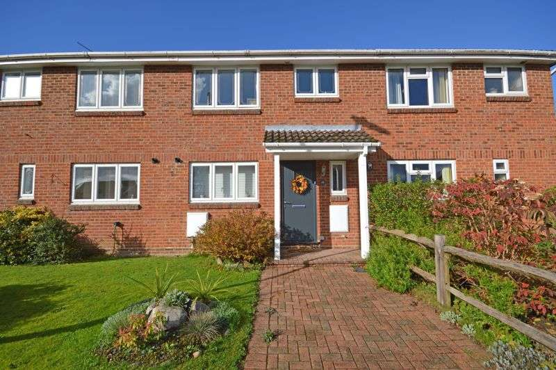 3 Bedrooms Property for sale in Periwinkle Close, Lindford