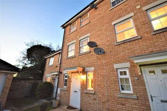 3 Bedrooms Property for rent in Highfield Avenue, Swaffham