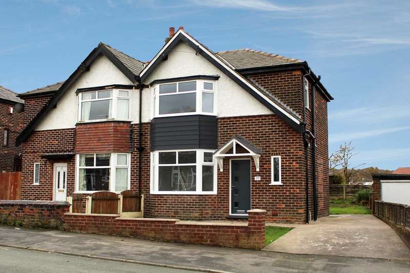 3 Bedrooms Semi Detached House for sale in Heyside Avenue, Oldham
