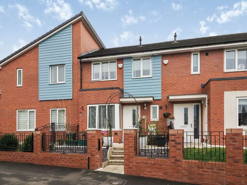 2 Bedrooms Terraced House for sale in Varley Street, Manchester, Greater Manchester, M40
