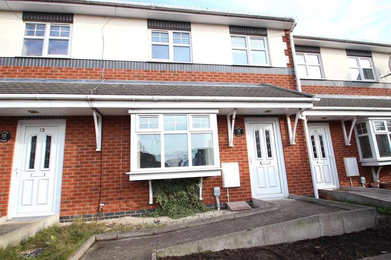 3 Bedrooms Terraced House for rent in Florida Court, Hull