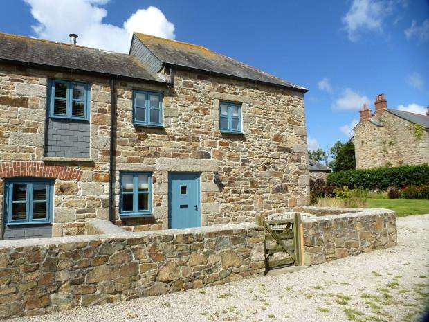 2 Bedrooms End Of Terrace House for sale in Tregenhorne, Steppy Downs Road, Hayle, Cornwall