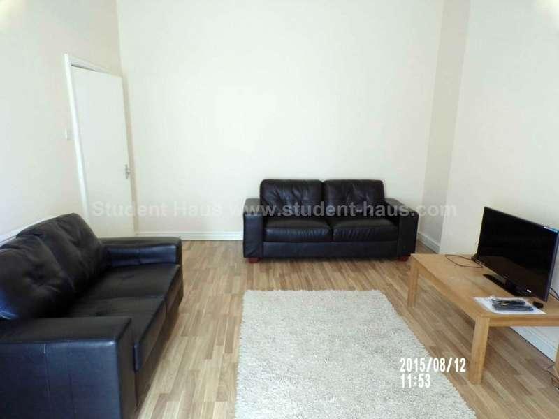 6 Bedrooms House for rent in Fitzwarren Street, Salford, M6 5JF