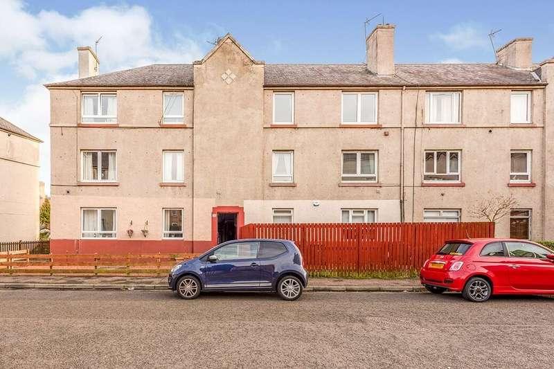 2 Bedrooms Flat for rent in Stenhouse Avenue West, Edinburgh, EH11