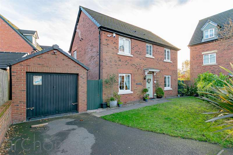 4 Bedrooms Detached House for sale in North Croft, Atherton, Manchester